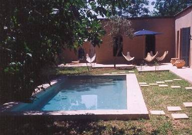 Villa palmes marrakech maroc for Palmes courtes piscine