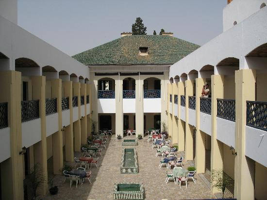 Hotel batha fes maroc for Hotel fes piscine