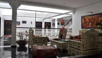Riad baddi sal maroc for Chaise zenata